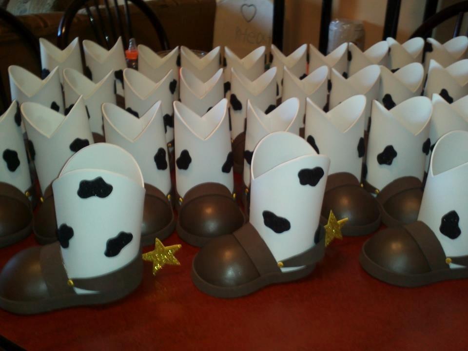 Dulceros Botas Y Sombreros Toy Story -   32.00 en Mercado Libre ace1c7b038e