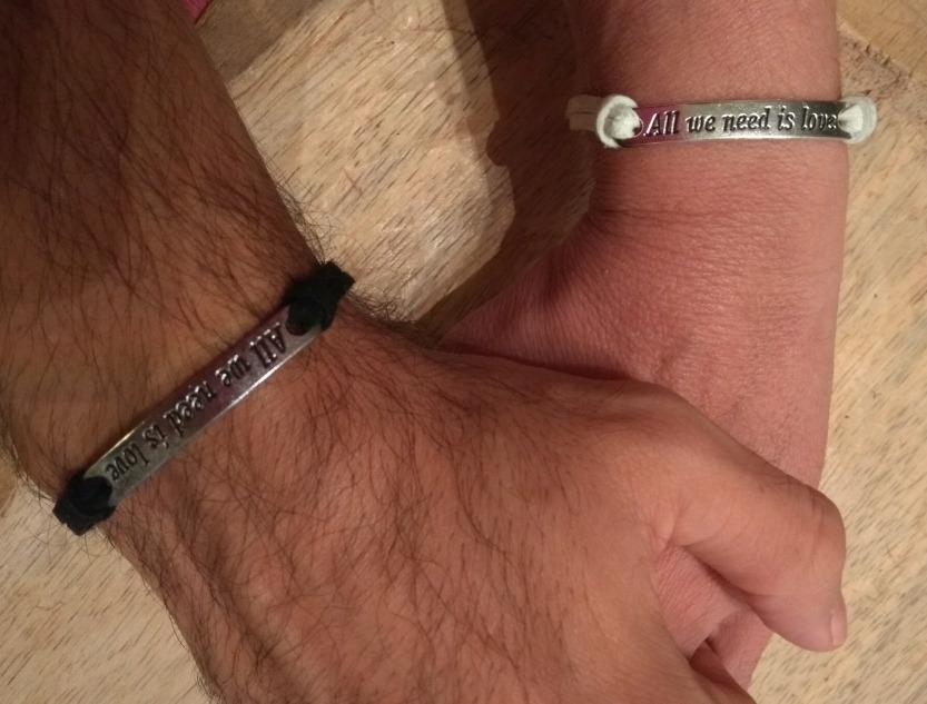 1a31cbc7e532 duo pulseras cuero centro frase p compartir pareja amor. Cargando zoom.