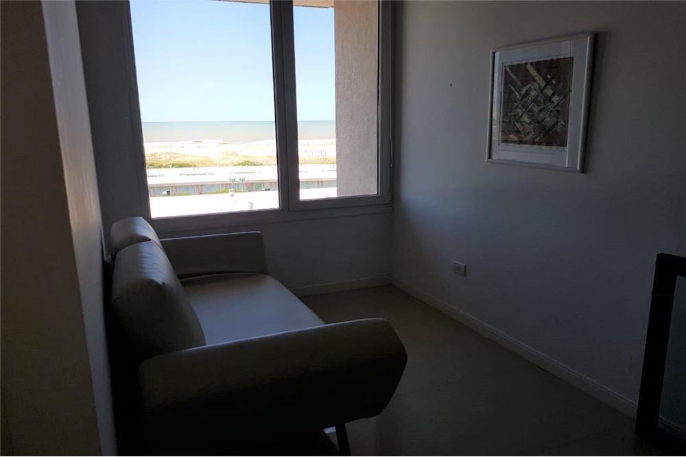 duplex  2 1/2 - 5 pax - vista al mar