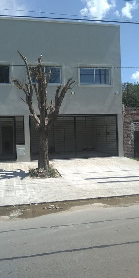 duplex 2 dormitorios , parrilla y cochera-83 mts 2 - los hornos