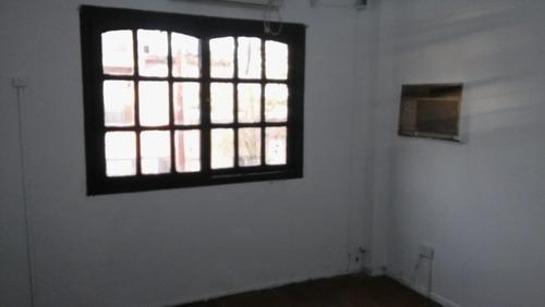 duplex 3 amb. al fte. c/cochera buen estado y ubicación