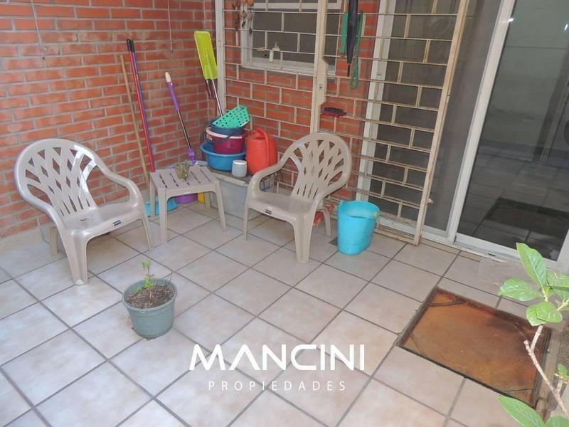 duplex 3 amb. c/ patio y cochera - villa ballester