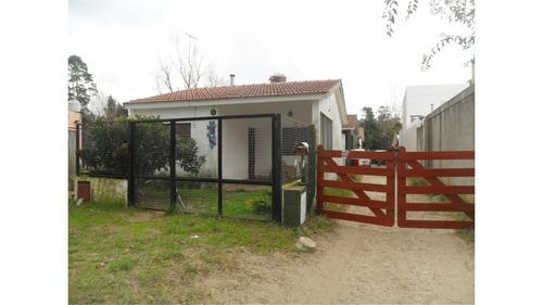 duplex 3 amb. con patio y lugar para auto