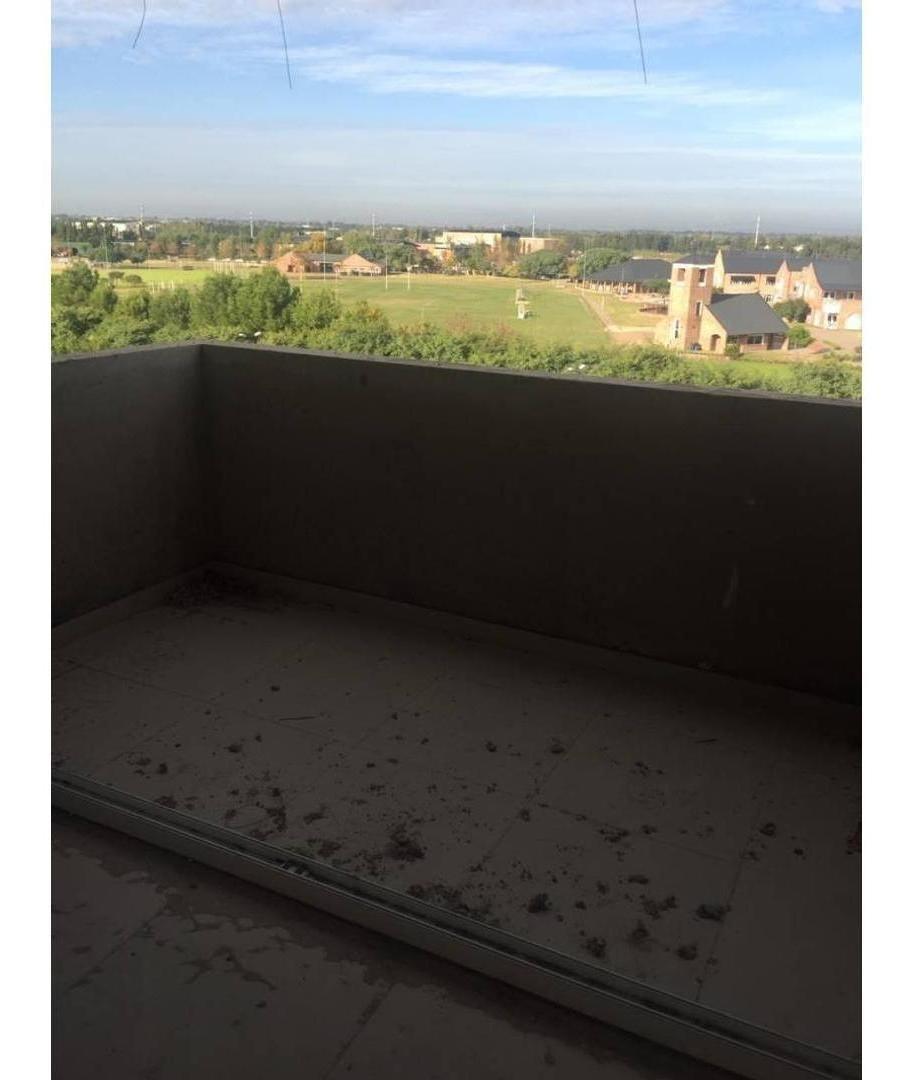duplex 3 ambientes con terraza e hidro.
