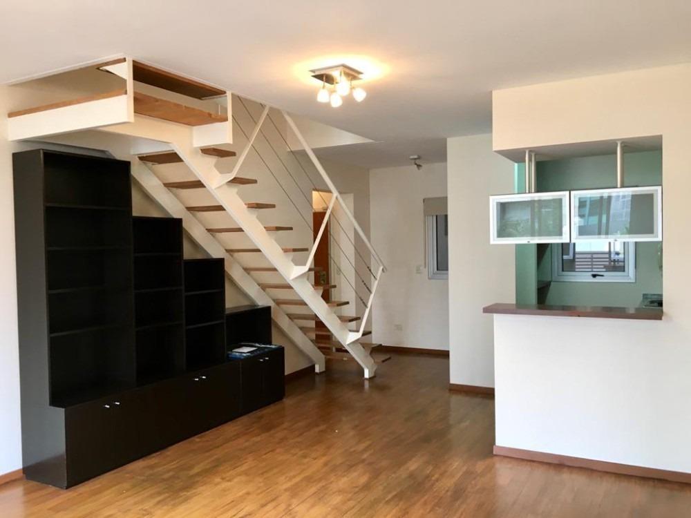 duplex 3 ambientes muy luminoso con balcón