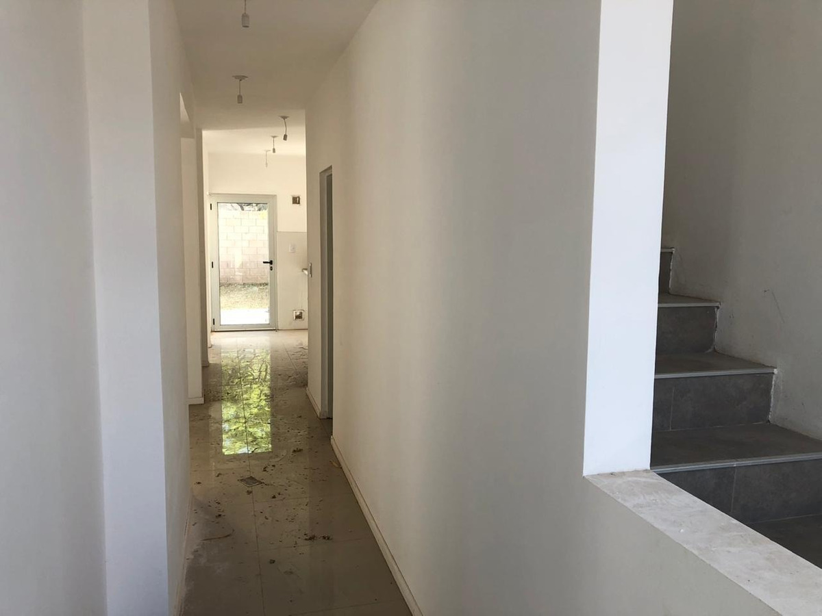 dúplex 3 dormitorios 150 m2 barrio la catalina villa allende