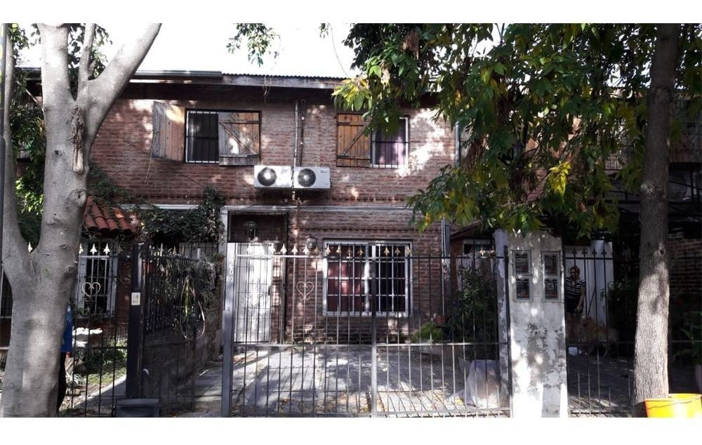 duplex 4 amb. cochera y patio en villa ballester