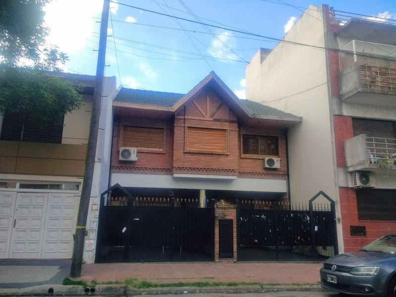 dúplex 4 ambientes con cochera patio y parrilla en mataderos barrio naon