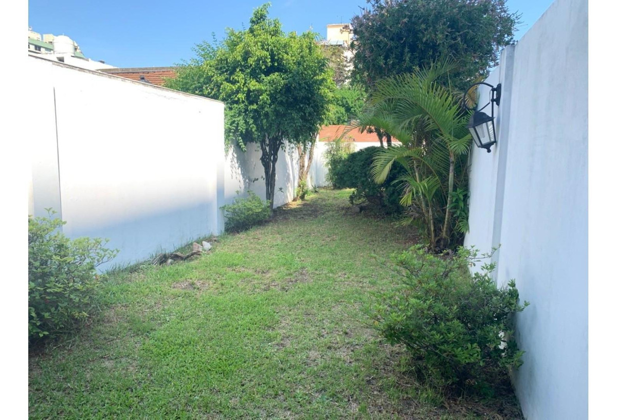 duplex 4 ambientes más dependencia y jardin
