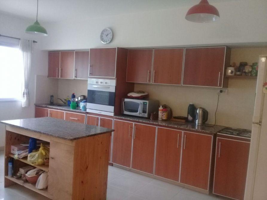 duplex 4 dormitorios, 3 baños, amplio  fondo con quincho..!!