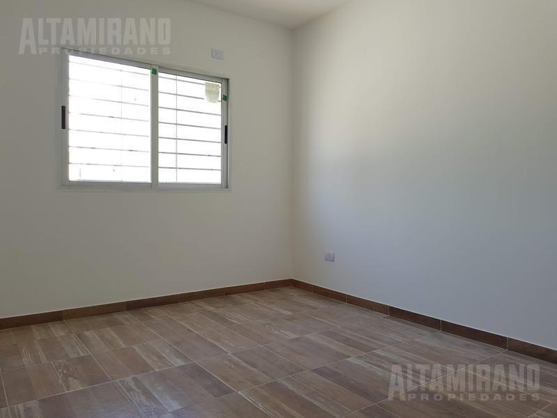 dúplex 4 y 1/2 ambientes 120 m2 cub. oportunidad.  - villa ballester