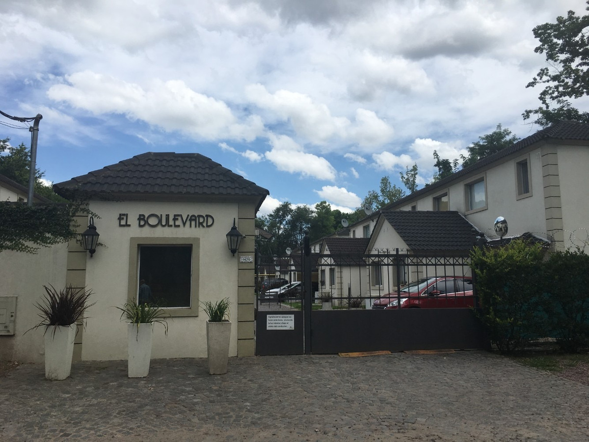 duplex a la venta condominio el boulevard pilar