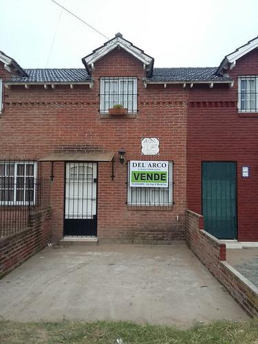 duplex al frente amoblado, excelente zona - calle 1 n° 8460