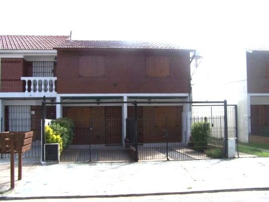 duplex al frente- calle 67 n°171 uf2