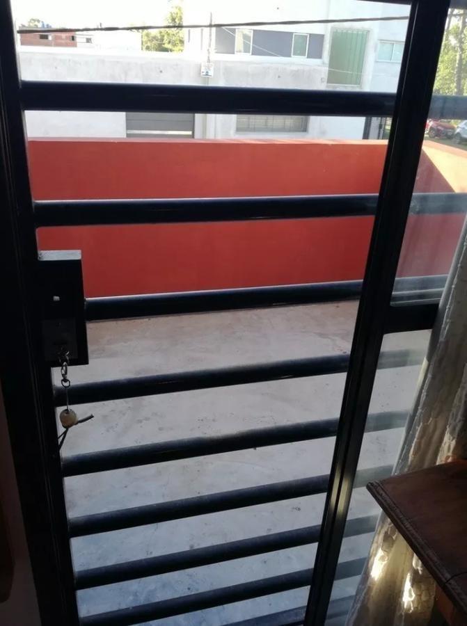 duplex alquiler  2 dormitorios ,  2 baños y cochera-113 mts 2- los hornos