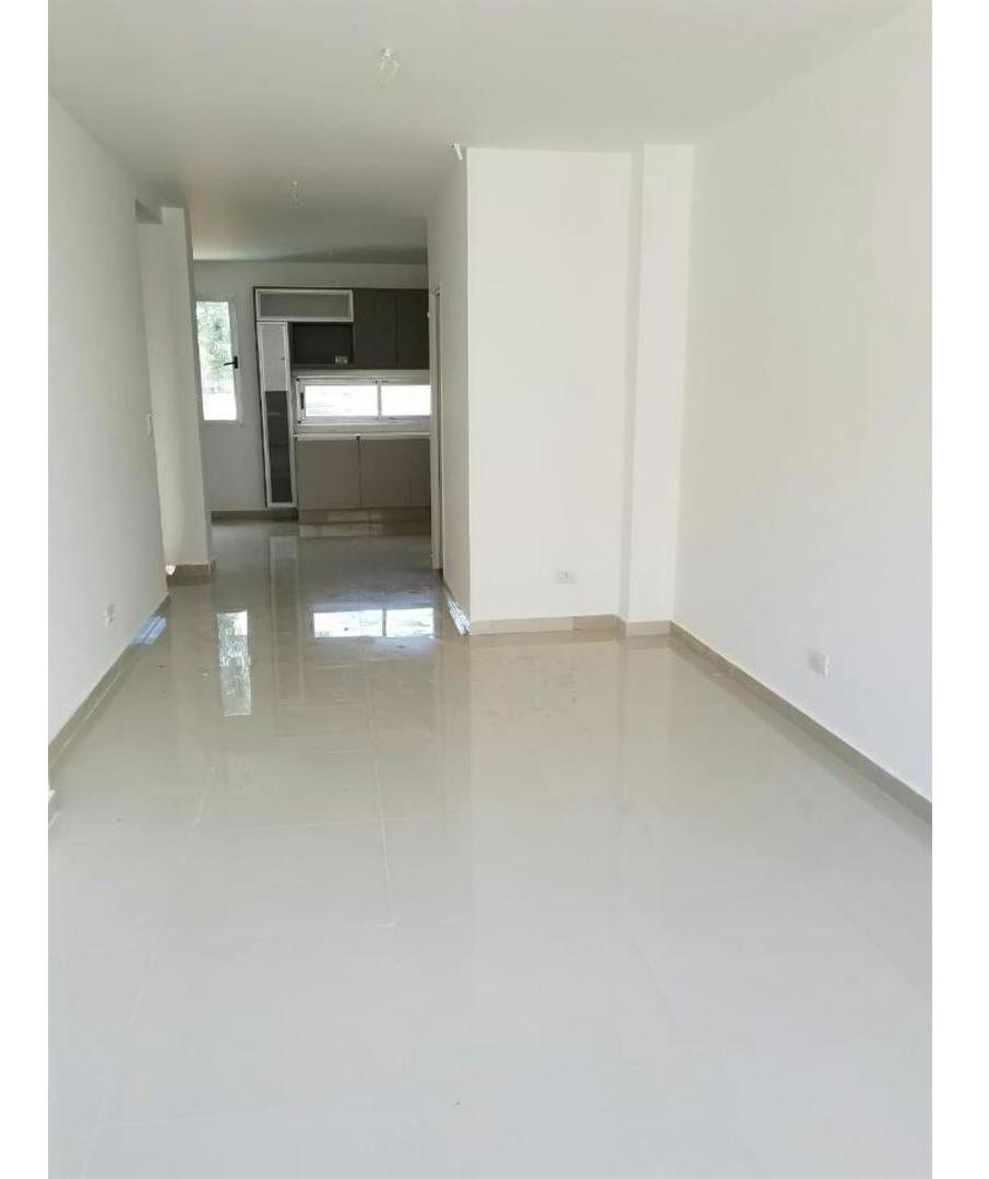duplex amplio de 3 amb c/ 105 m2 + 20 m2 cochera