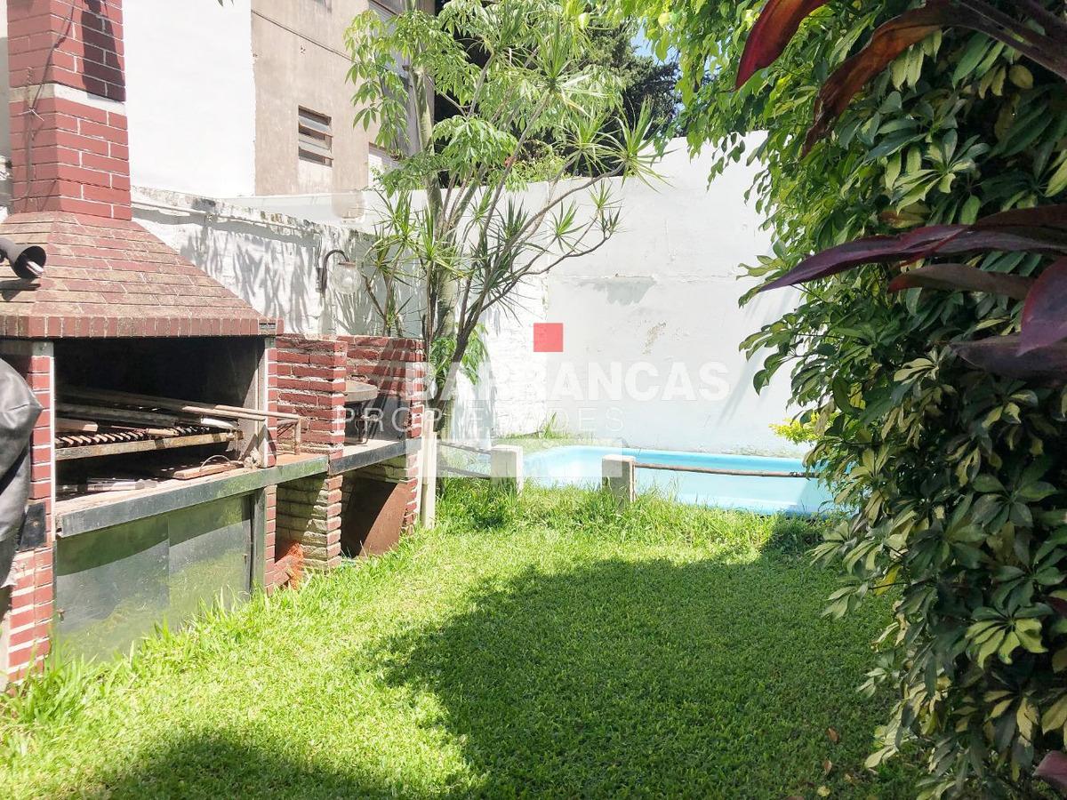 duplex con pileta y jardin en el barrio de coghlan