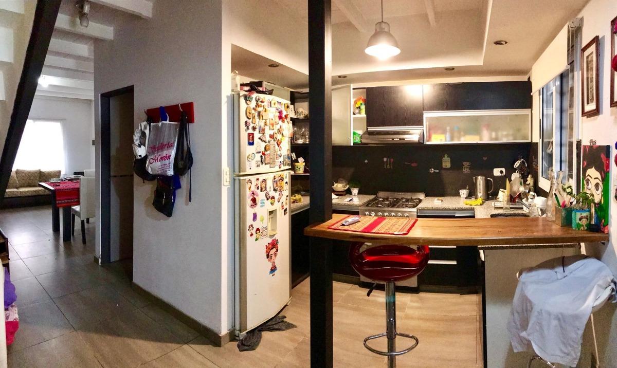 dúplex cuatro ambientes en muy buen estado y ubicación