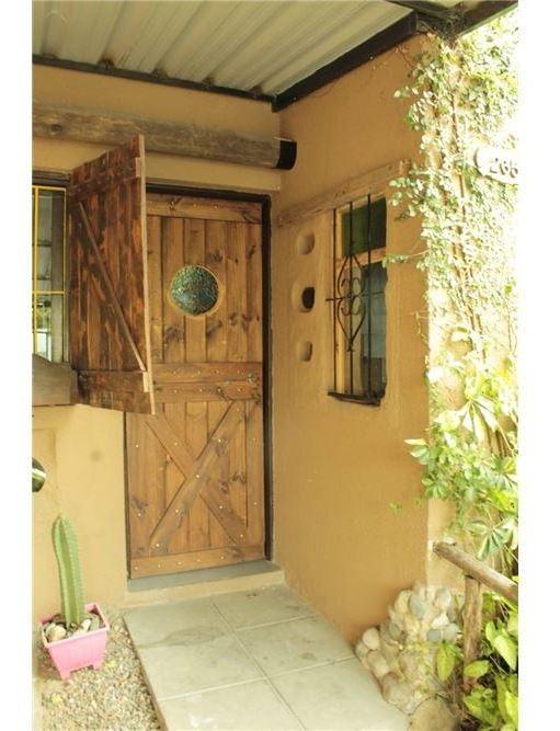 duplex de 2 dom, con quincho y garage, en venta