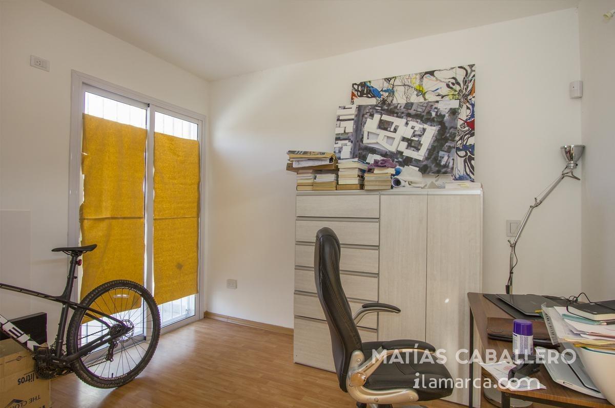 duplex de 2 dormitorios a la venta en urca sobre costanera