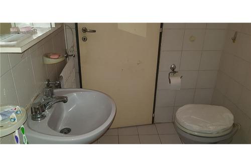 duplex de 3 ambientes con 2 baños y patio