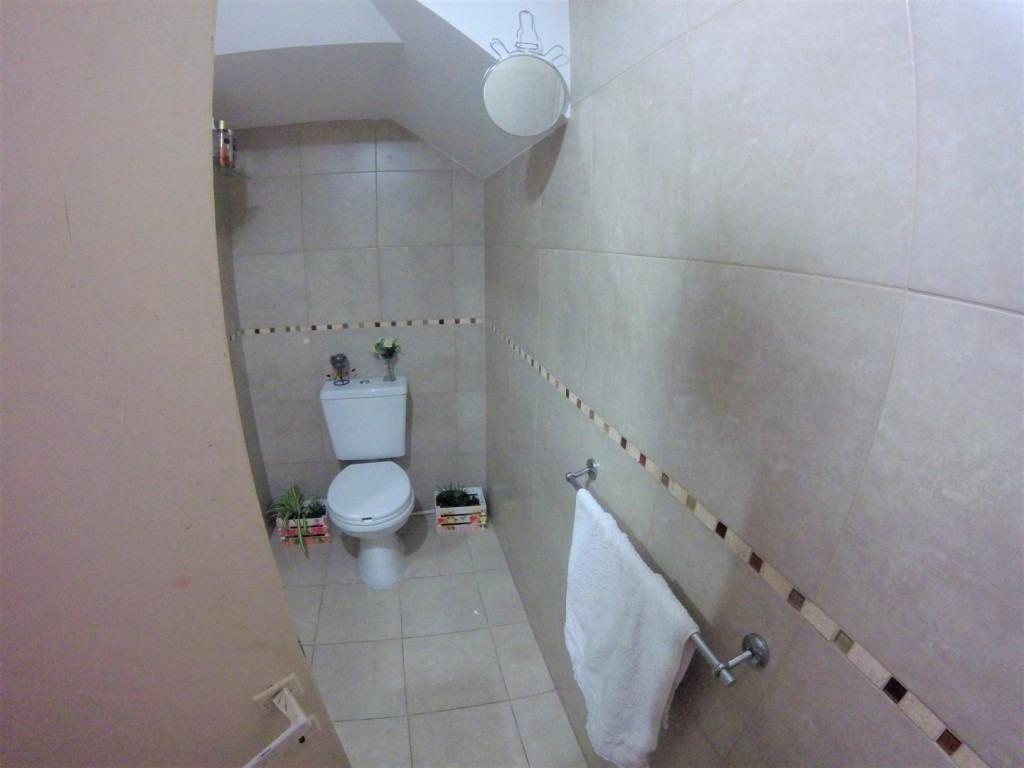 duplex de 3 ambientes con cochera // palomar // venta