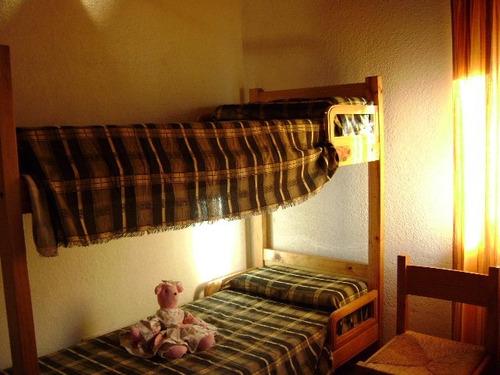 duplex de 3 dormitorios 2 baños, cochera interna, tv cable