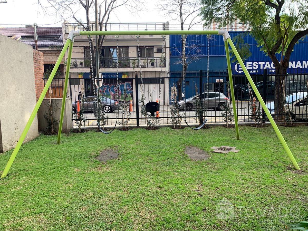 Duplex De Categoria En Belgrano 4 Ambientes Con Dependencia Y Balcon Terraza