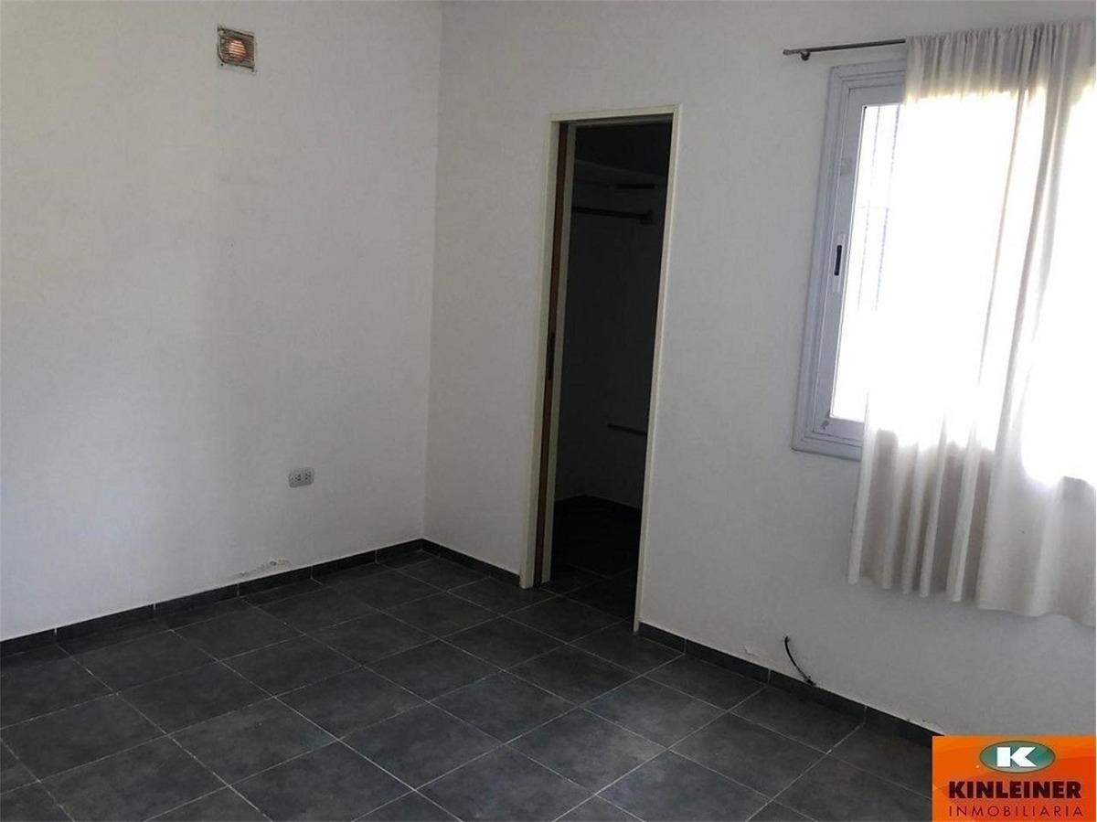 duplex  de dos dormitorios en housing sarmiento,rio ceballos