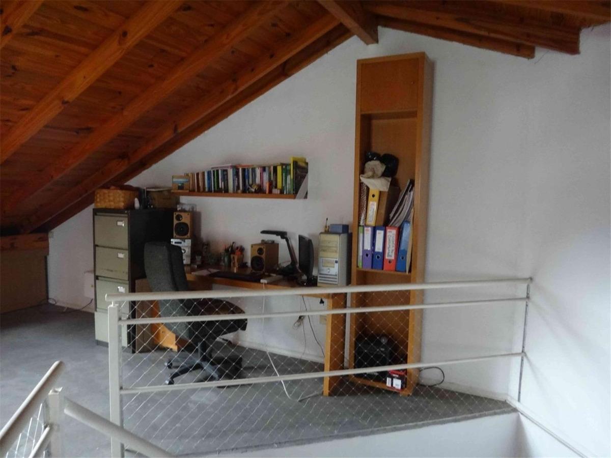 duplex en 3 plantas. 3 dormitorios mas play. jardin