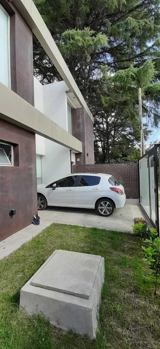 duplex en alquiler en city bell - calle 13c y 461c