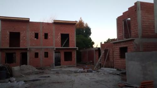duplex en construccion a 6 cuadras - calle 6 n° 7936