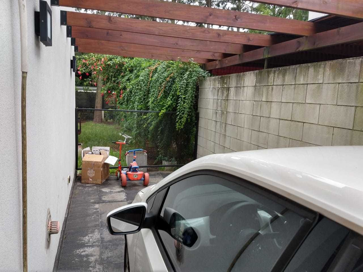 duplex en excelente b° cerrado en gonnet