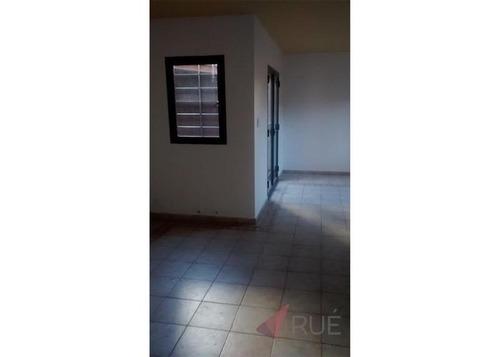 duplex  en venta 3 dormitorios c/terraza,patio y cochera en b°san martín   apto crédito