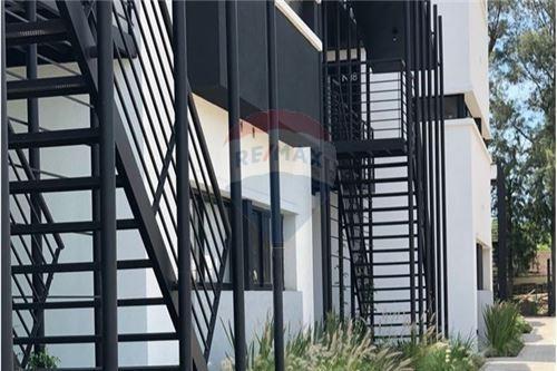 duplex en venta canning 3 ambientes - sotavento