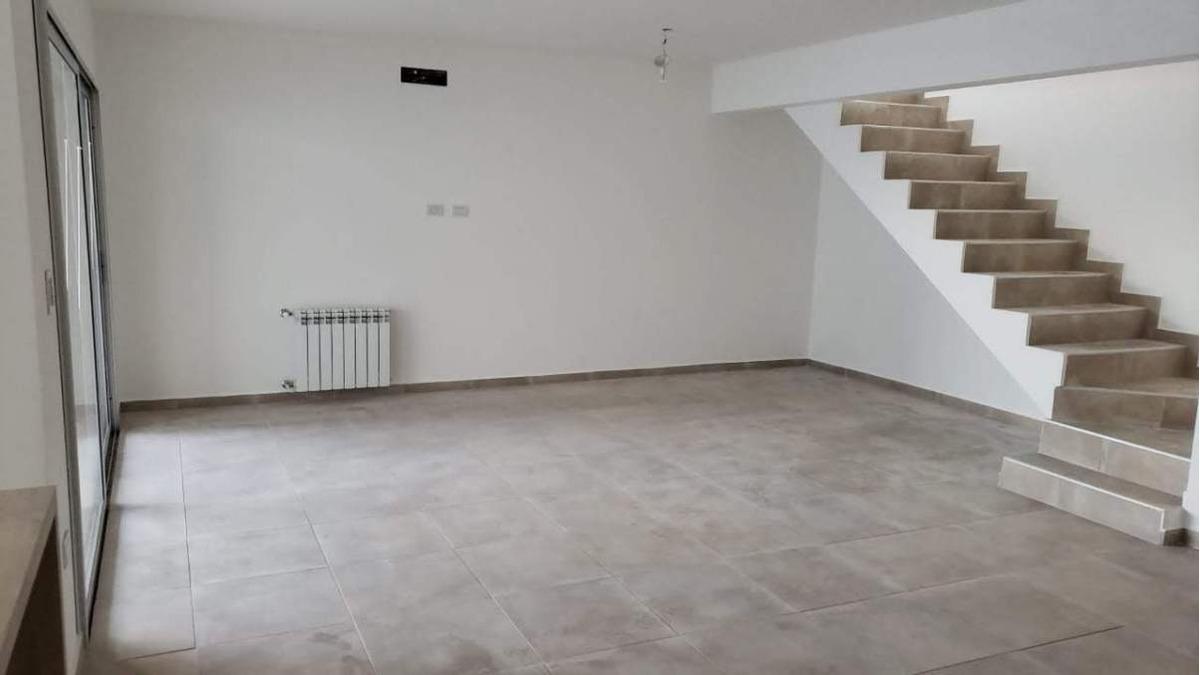 duplex en venta - chacras del norte - 3 dormitorios.seguridad