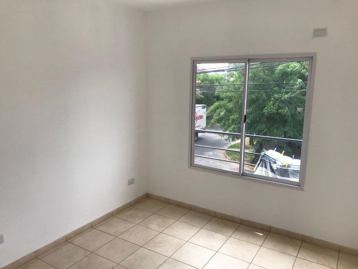 duplex en venta de 3 ambientes c/ cochera y patio en san miguel