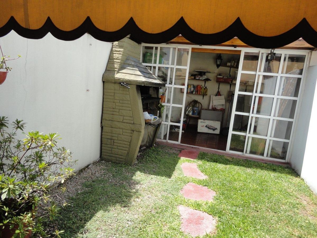 duplex en venta de 4 ambientes jardin quincho y parrilla