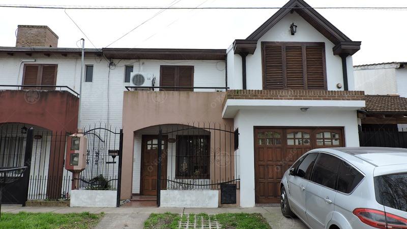 duplex en venta de tres ambientes! ideal para familia!