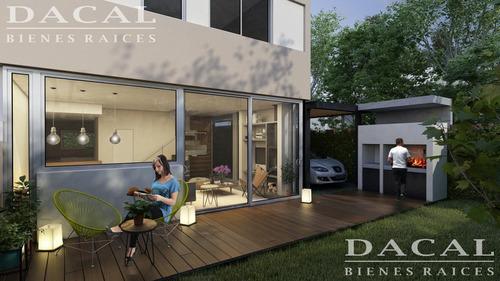 duplex en venta en city bell alaro raco calle 473 bis e/ 23 y 24 dacal bienes raices
