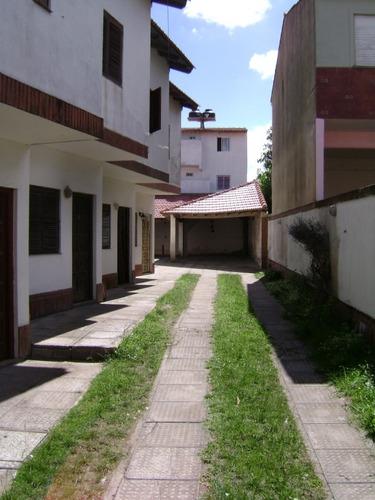 duplex en venta en mar del tuyu, amoblado. 3 ambientes, cochera y patio.