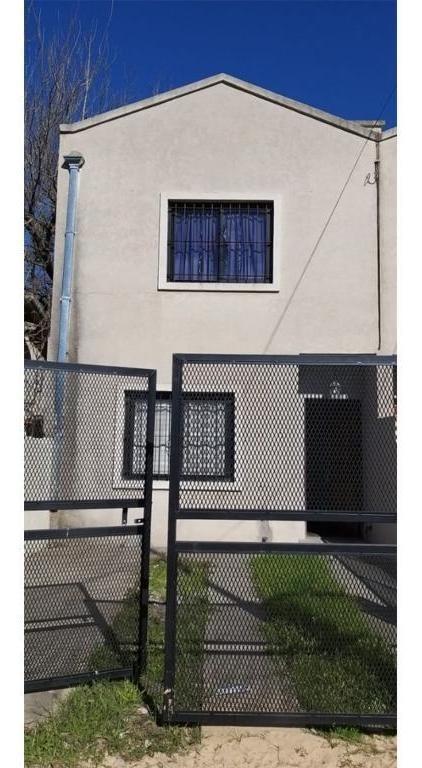 duplex en venta en paso del rey, calle alvear y pio xii