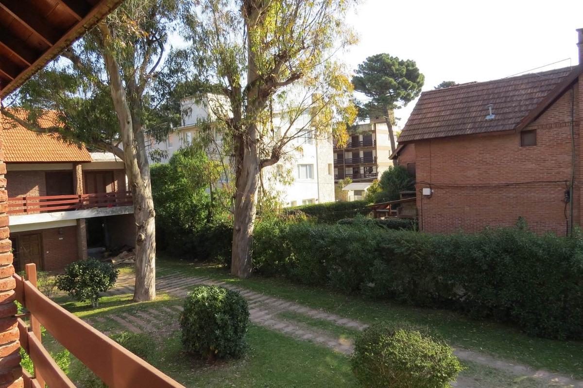 duplex en venta en pinamar-4 ambientes-240 m2-cochera+patio+jardin-se entrega con o sin refaccion