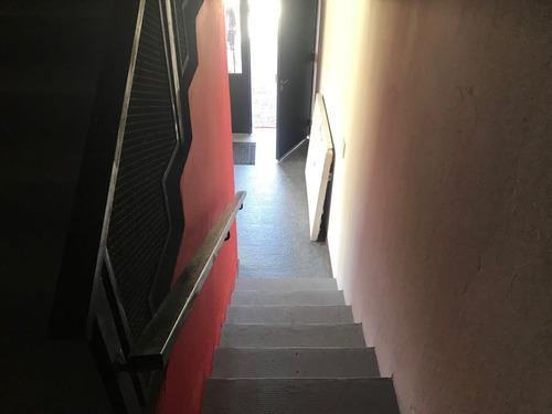 duplex esquina dormitorios amplias dep. coch. fondito.
