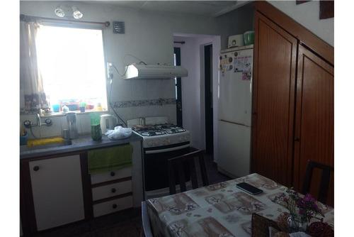 duplex tres dormitorios y patio. venta. ensenada