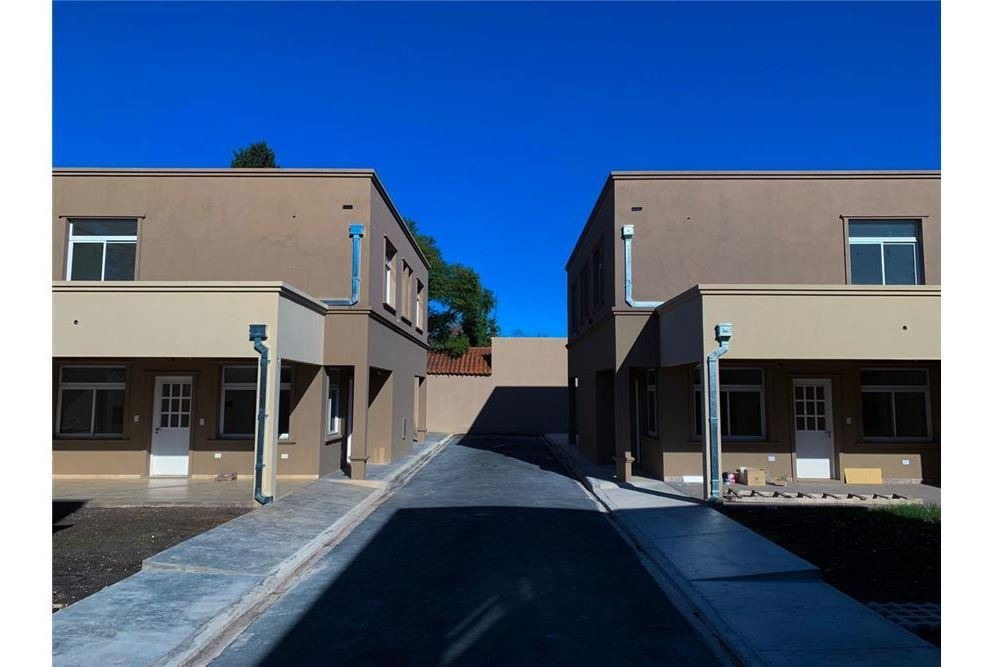 duplex venta 3 ambientes ituzaingo patio cochera