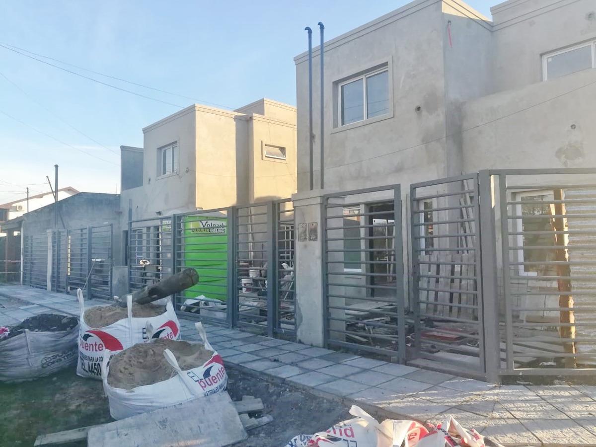 duplex venta  en castelar