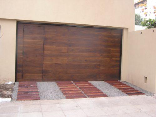 durmiente en tabla de madera de quebracho para caminos