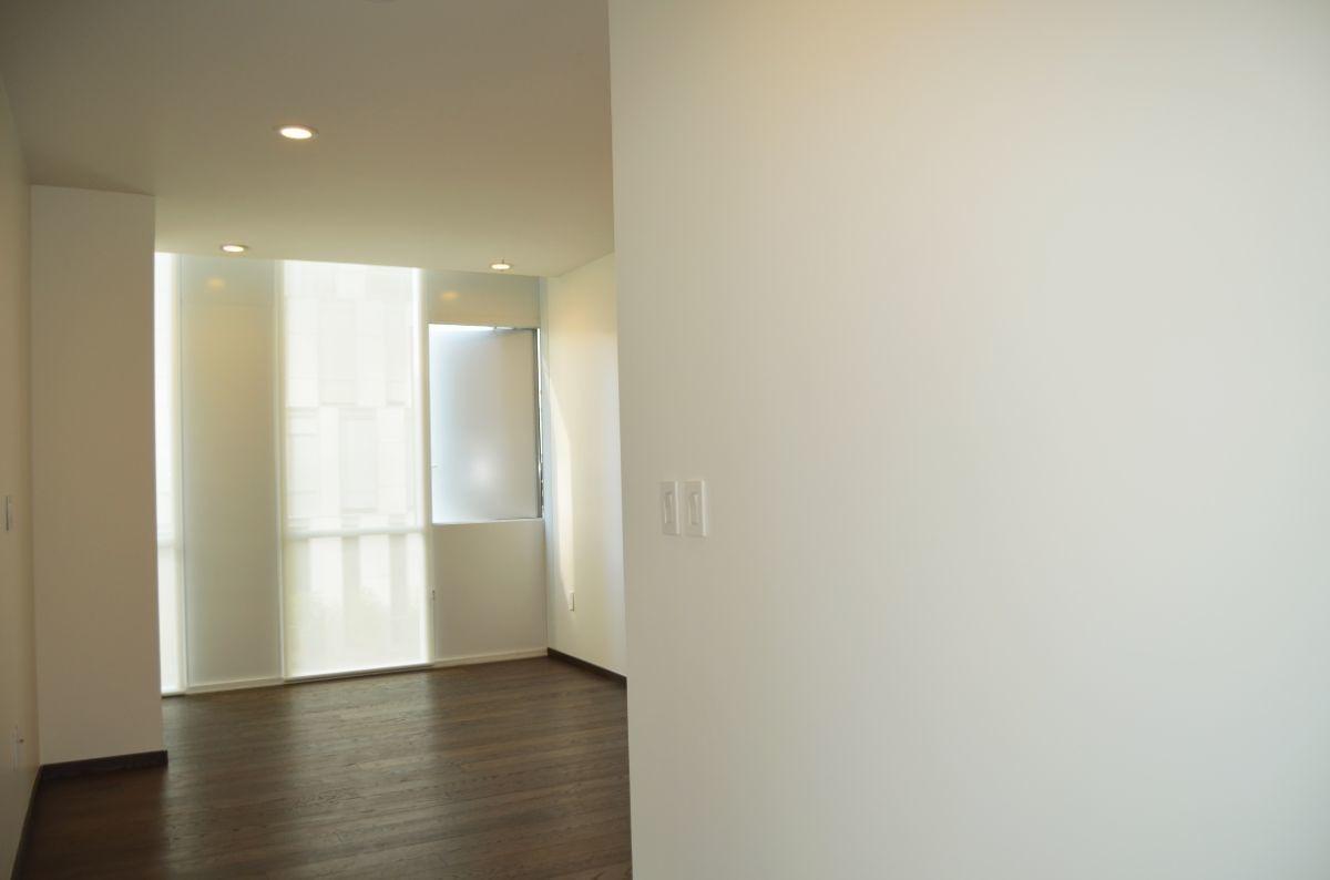 dv1122  vive con lujo y confort, en este departamento.