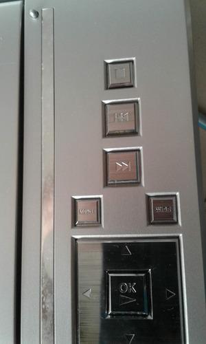 dvd portatil marca insignia con accesorios (70 verdes)